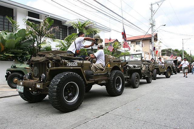 Wwii Us Jeep Collectors Stage 4th Of July Motorcade In Qc
