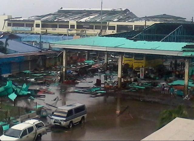 640_2013_11_08_09_20_28 - Typhoon Yolanda lashing: Images - Philippine Business News