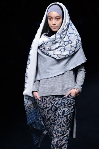 Hijab Design Takes Center Stage At Tokyo Fashion Week