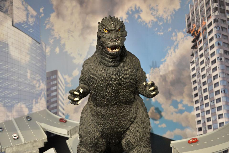 Japanese fans say local-hero Godzilla 'super-sized ...