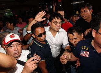 Bong Revilla surrenders to Sandiganbayan