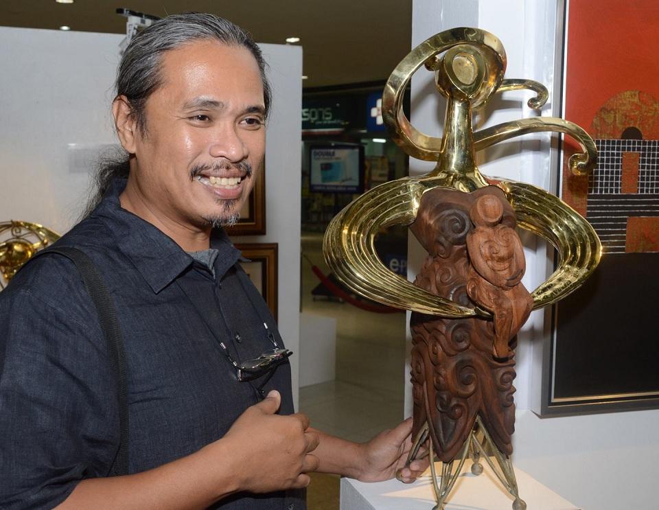 National Artists Fashion Designers Showcased At Muslim Christian Exhibit