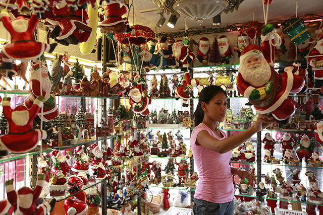 12 places to pick up christmas decorations lifestyle Christmas tree decorating ideas philippines