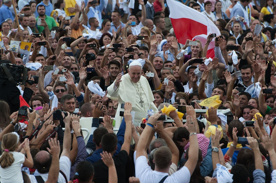Muslims and christians throng albania streets to greet pope francis muslims and christians throng albania streets to greet pope francis m4hsunfo