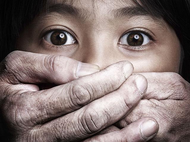 13-anyos na babae, ginahasa at nabuntis umano ng kaniyang kuya