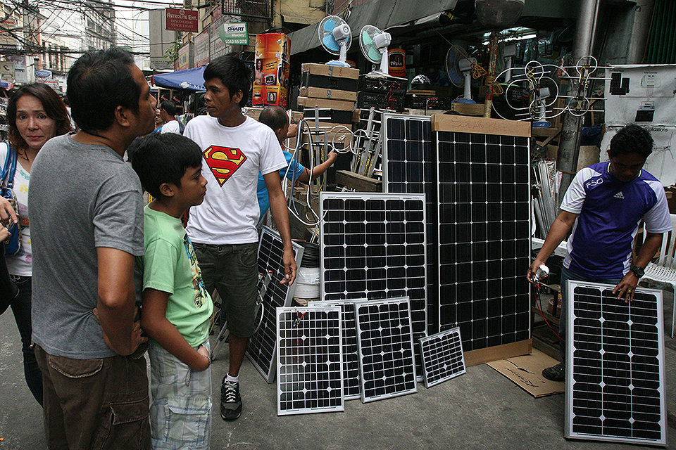 solar panel sales rising amid looming power crisis photos gma news online. Black Bedroom Furniture Sets. Home Design Ideas