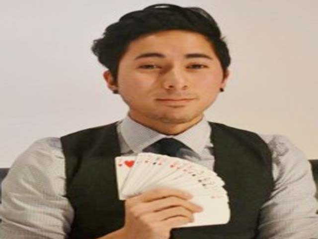'It's all in the head': Pinoy magician in US studying to become brain surgeon
