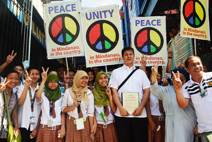 Bbl or no bbl malacaang vows to continue quest for mindanao proposed bangsamoro basic law in congress the aquino administration vowed friday that it will continue to push for the mindanao peace process and urge platinumwayz