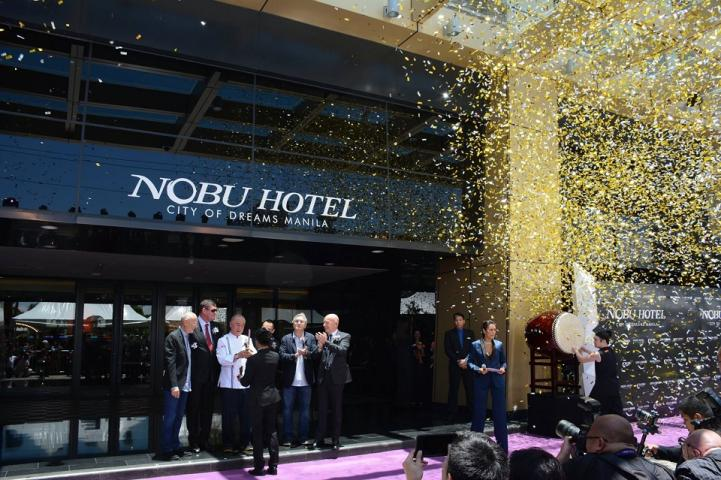 The Wait Is Over Robert De Niro Chef Nobu Open Luxury Hotel In