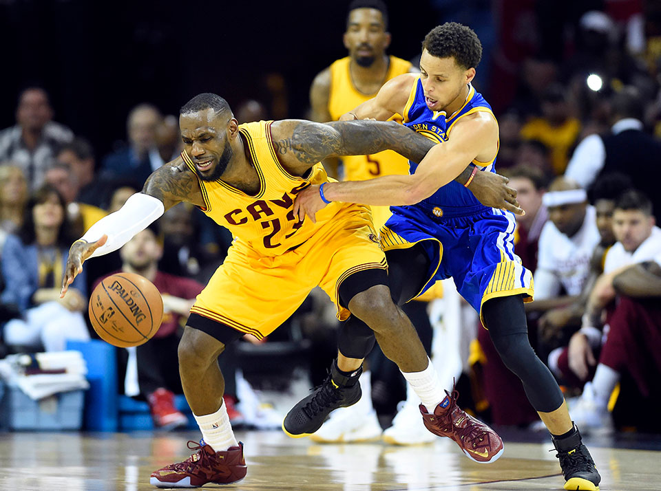 LIVE UPDATES: Cleveland Cavaliers vs. Golden State Warriors - NBA Finals Game 5 | Sports | GMA ...