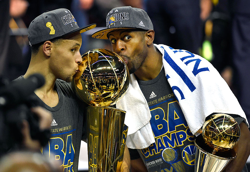 Warriors Guards Curry Iguodala Pose With Their Trophies