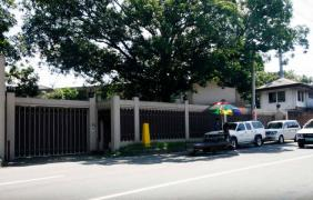 Quiet at stakeout in front of Manalo compound after family feud goes public