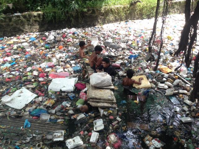 problema sa basura Wala silang disiplina sa pagtatapon ng basura ang malaki ang maitutulong sa paglutas sa problema ng baha sa metro manila.