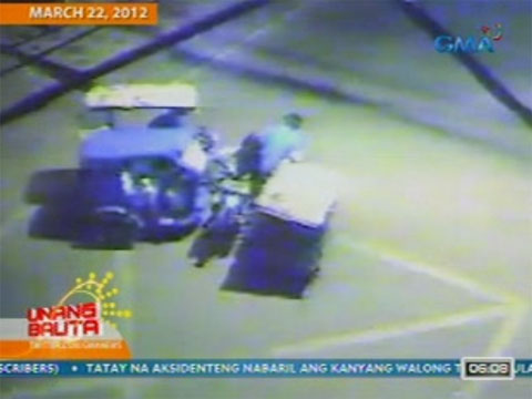 Banggaan ng 2 tricycle sa Taguig, 1 sugatan | Unang Balita | GMA News