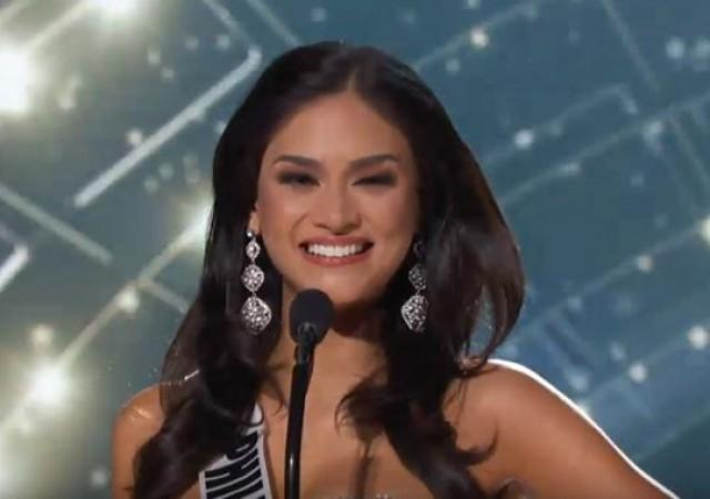Pia Wurtzbach stunning in blue gown at Miss Universe\'s evening gown ...
