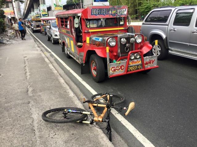 GMA News anchor Howie Severino anchor had recently obtained a minor injury  after being hit by a public utility jeep while he was biking to work. 2e44325d5