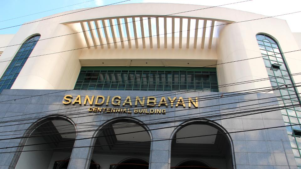 Sandiganbayan justices scold Napoles' lawyer over media comments