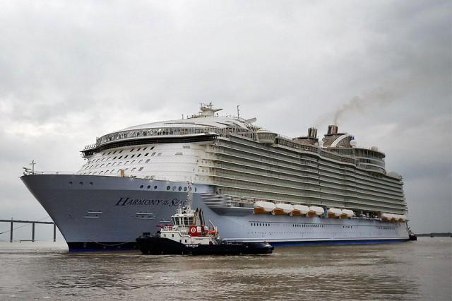 In France Worlds Biggest Cruise Ship Tests The Waters - First cruise ship in the world