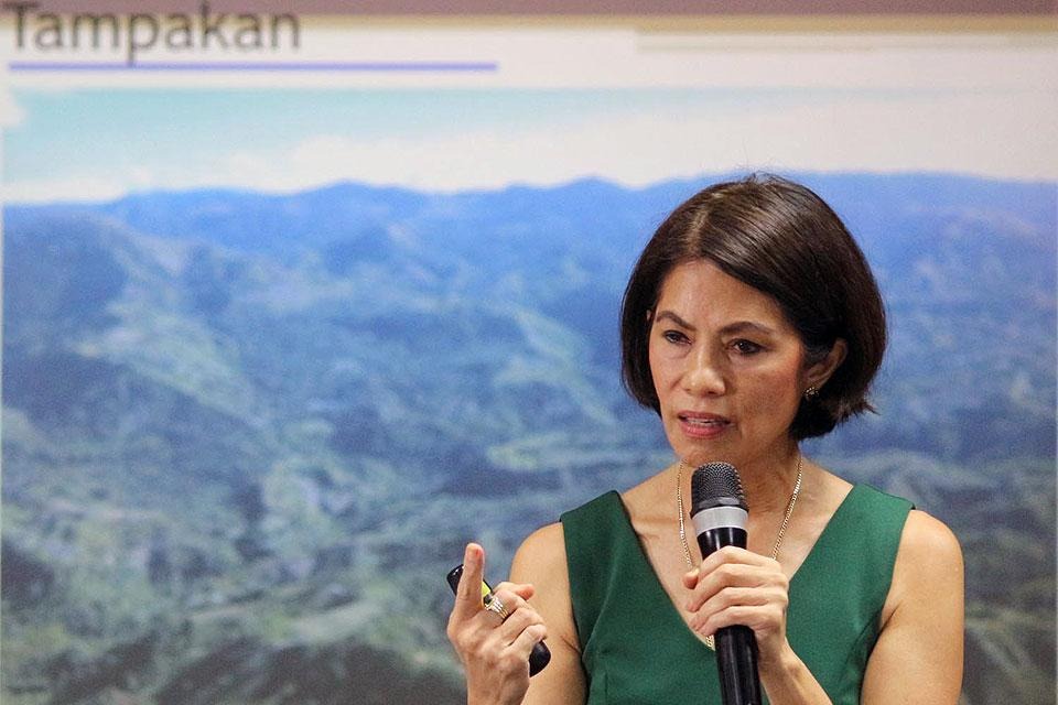 Environment Secretary Gina Lopez tells reporters on Thursday, August 11, 2016, she will make sure this administration will not allow the $5.9-billion Tampakan gold-copper mine to take off. The largest mining project in the country and one of the world's largest copper mines will only benefit big business and not the people of South Cotabato, according to the feisty Cabinet official. Roy Lozano