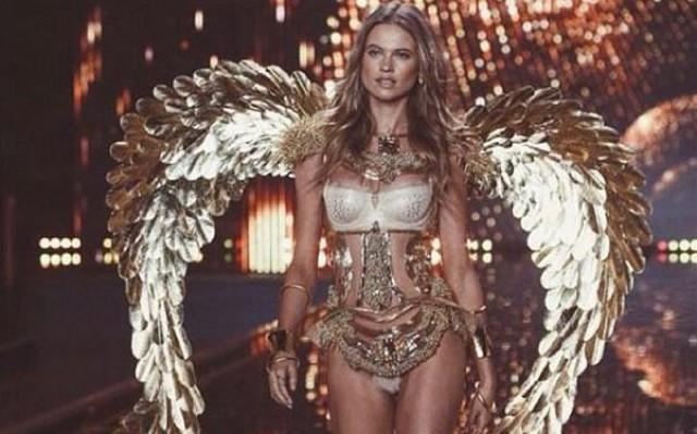 New Mom Behati Prinsloo Hopes To Return To Victorias Secret Runway