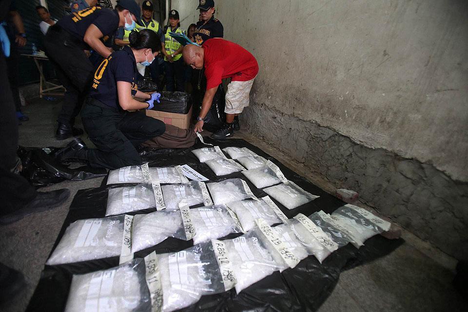 Pagkakaroon ng anti-drugs councils sa lahat ng barangay