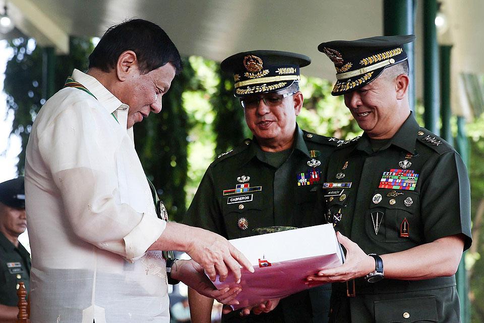 Duterte at PHL Army 120th anniversary rites