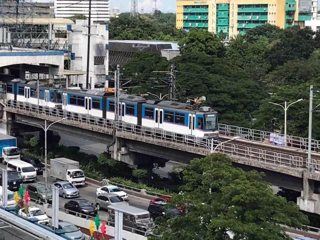 Give Duterte chance to solve Metro Manila's transport woes —Palace