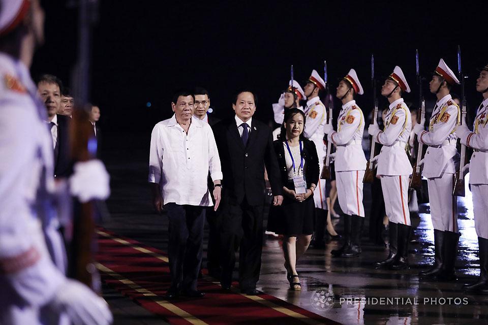 Duterte skips APEC gala dinner in Vietnam