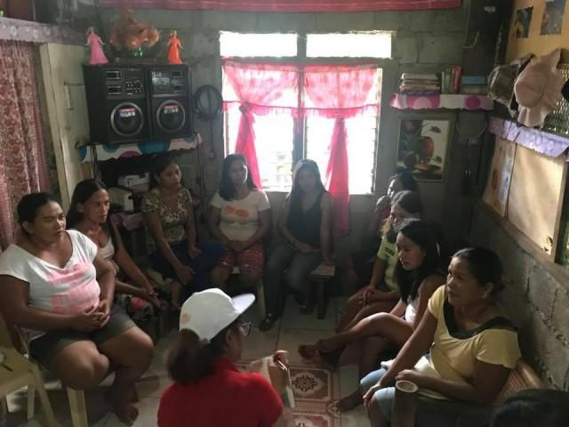 In this interview, the mothers from Quinapondan had the chance to raise questions about the menstrual cycle.