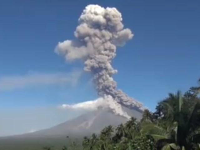 Restive Mayon Volcano erupts anew
