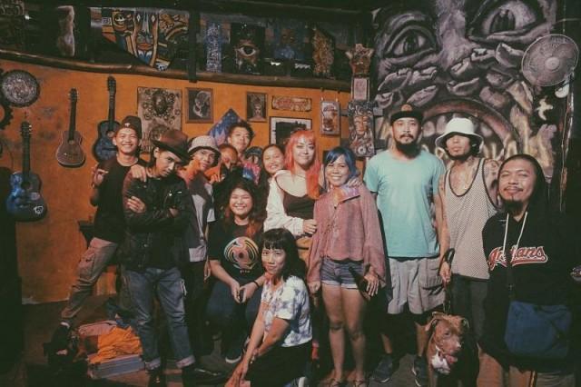 Ian Penn making friends in Davao