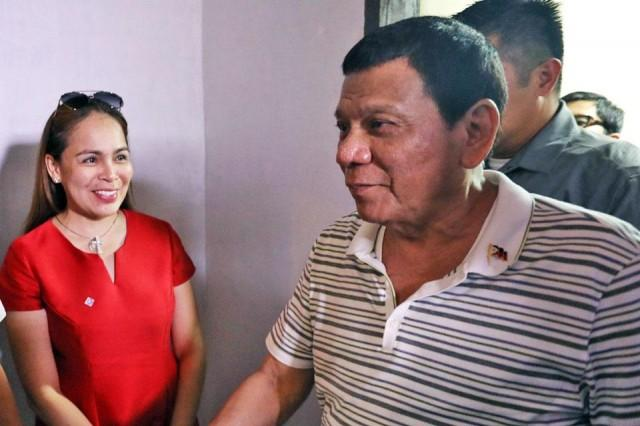 Duterte tells Bohol mayor: 'I will grab and hold on to your