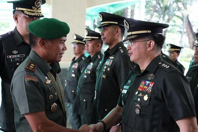 PHL, Indonesian armies vow to strengthen cooperation vs