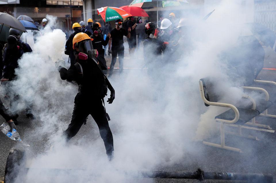 Hong Kong Protesters Embrace V For Vendetta Guy Fawkes Masks