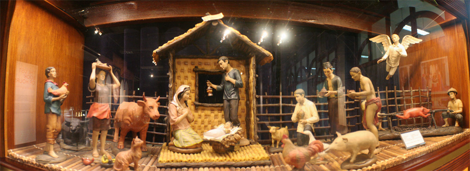 More Than 1 000 Nativity Scene Performers Vie For World
