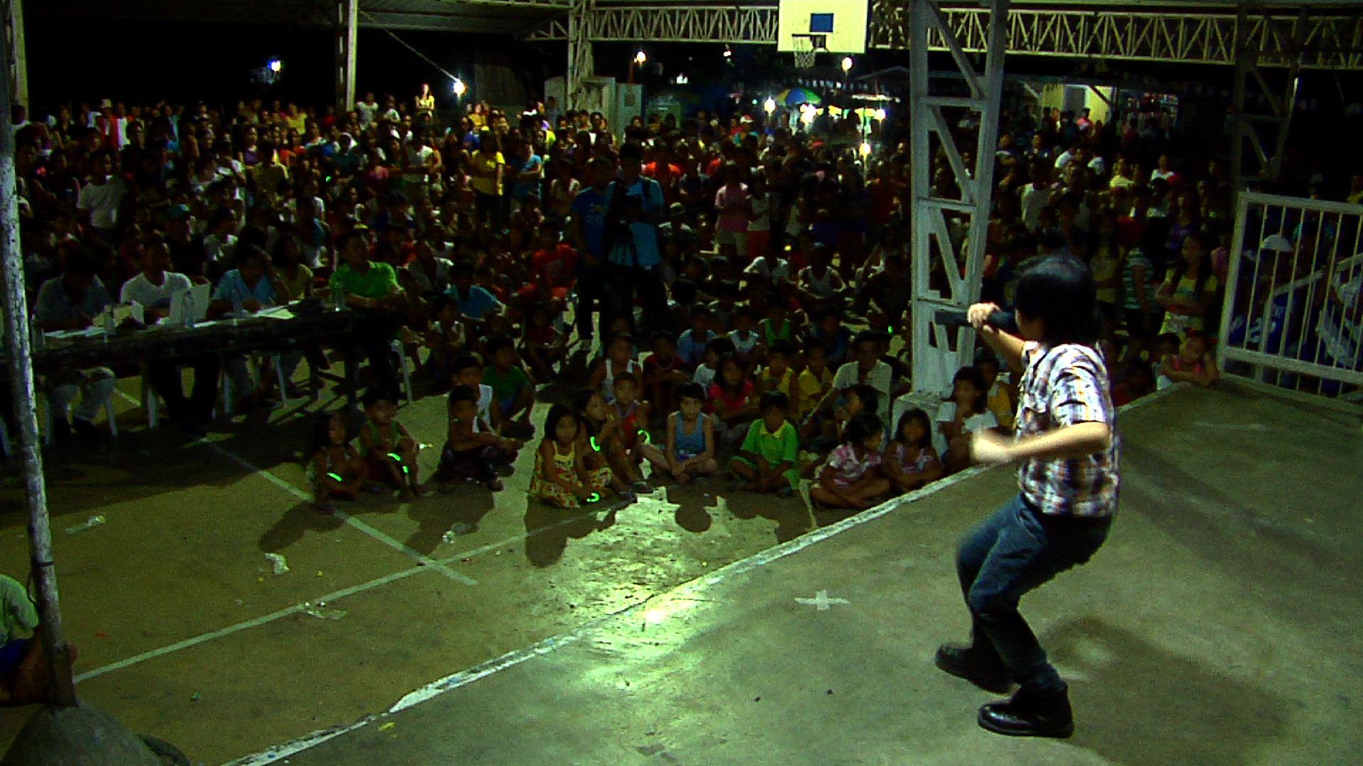 Amateur singing contest