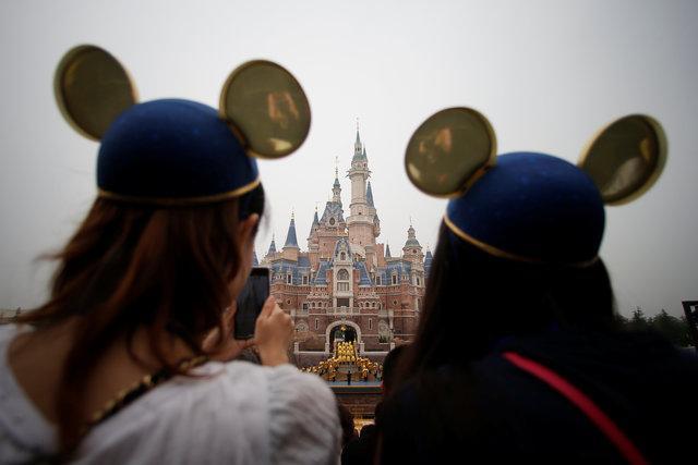 Shanghai Disneyland closes over China nCOV concerns