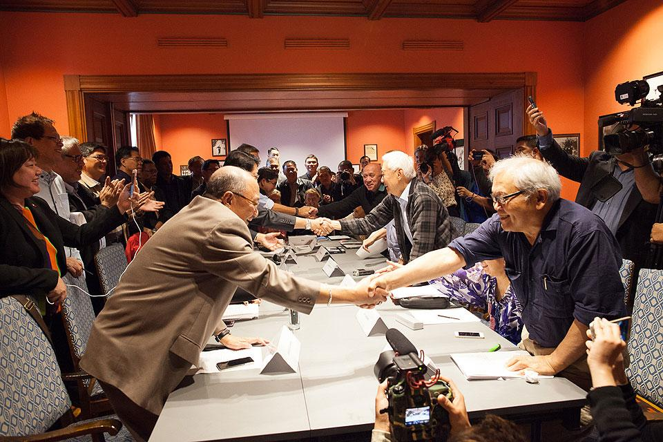 Grp Ndfp Signs 5 Point Agreement In Oslo Photos Gma News Online