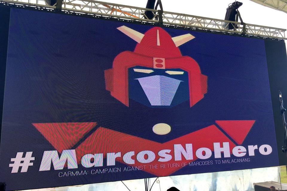 Voltes V, a beacon for anti-Marcos rallyists | Photos | GMA News Online