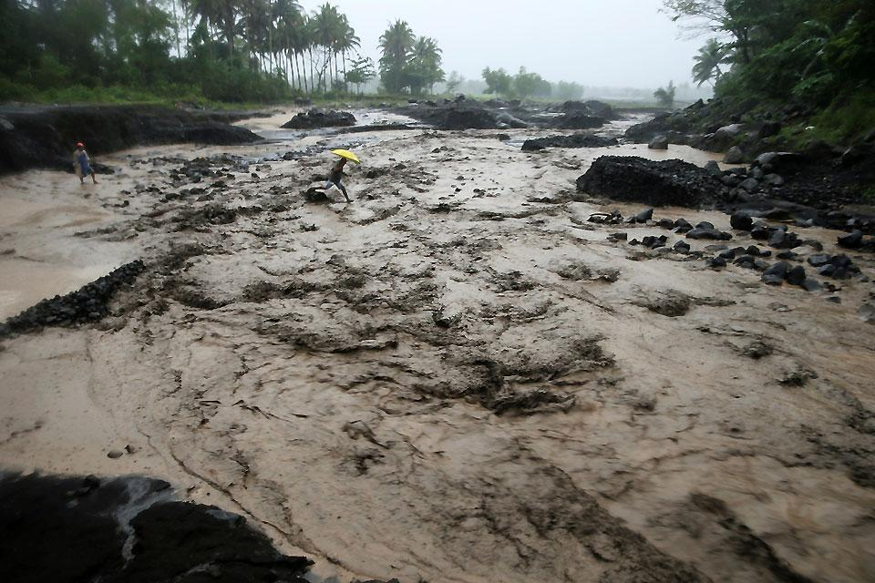 what is a lahar flow