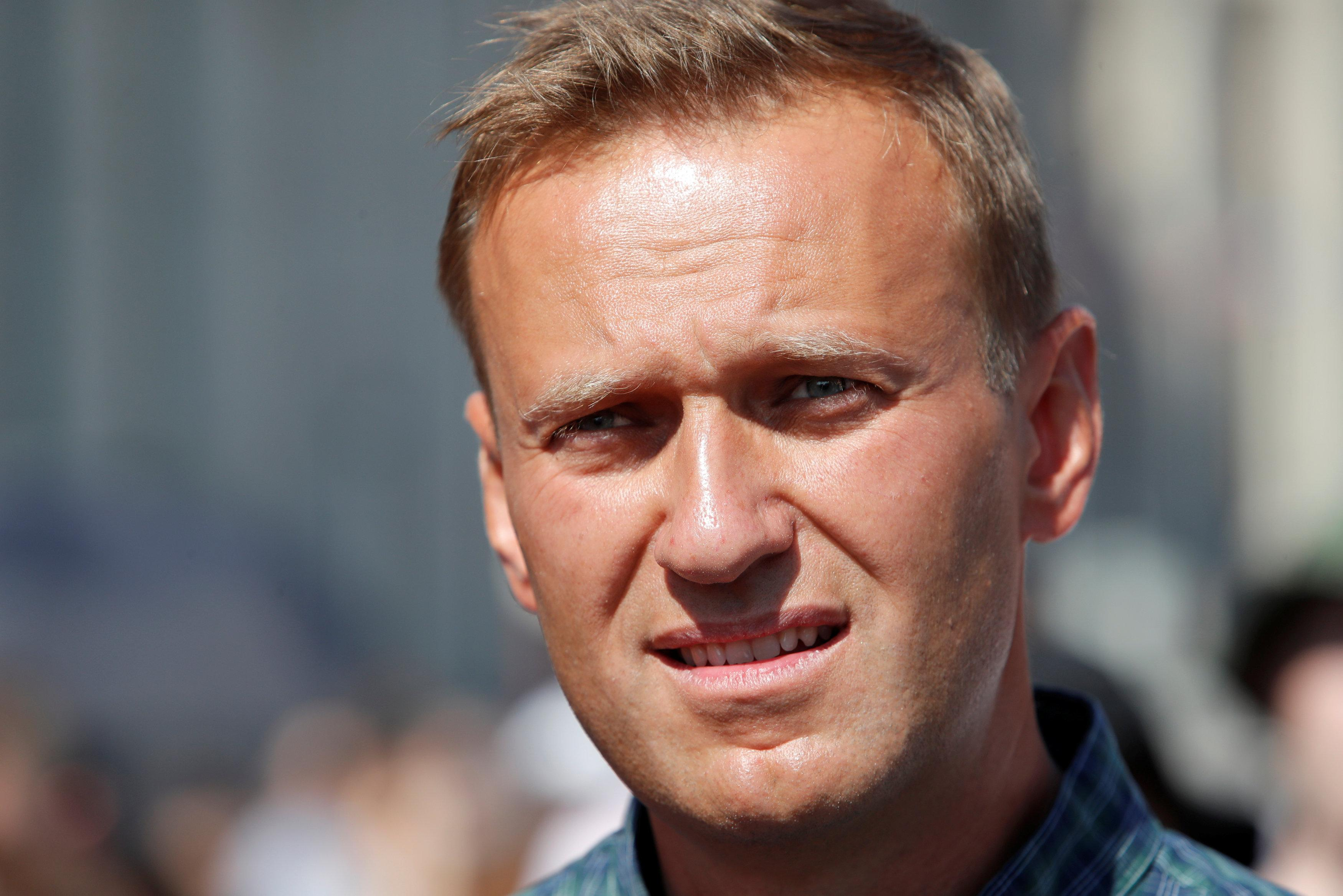 Russian court jails Kremlin critic Navalny for 30 days ...