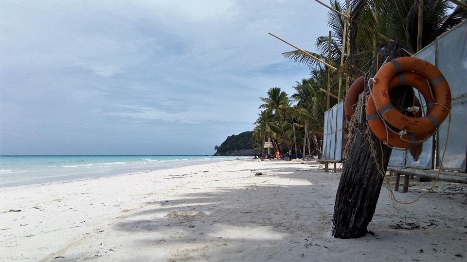 Liquor ban takes effect in Boracay, rest of Aklan