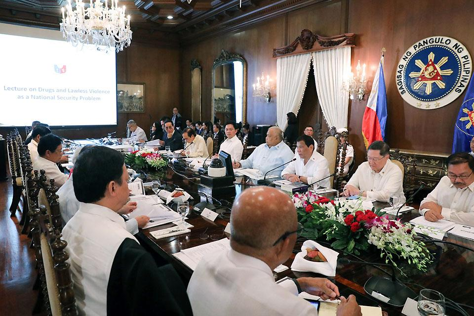 Duterte Reminds Cabinet Members Of Lawlessness Drugs Menace