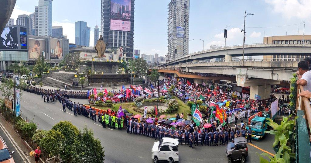LOOK: Rallyists flock to EDSA shrine for 33rd People Power anniversary