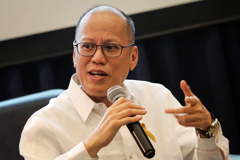 40 masses held for ex-President Aquino's 40 days - GMA News Online
