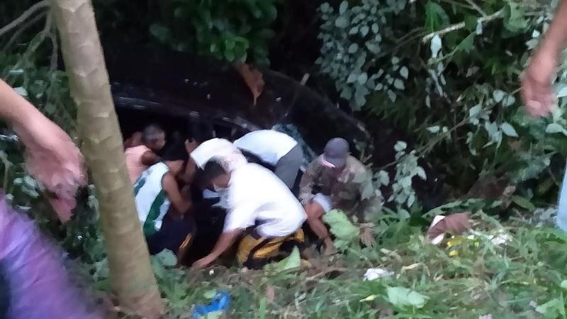 Magkakaanak na sakay ng SUV, pinaulanan ng bala sa Leyte