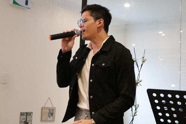 Ruru Madrid singing at launch of new single