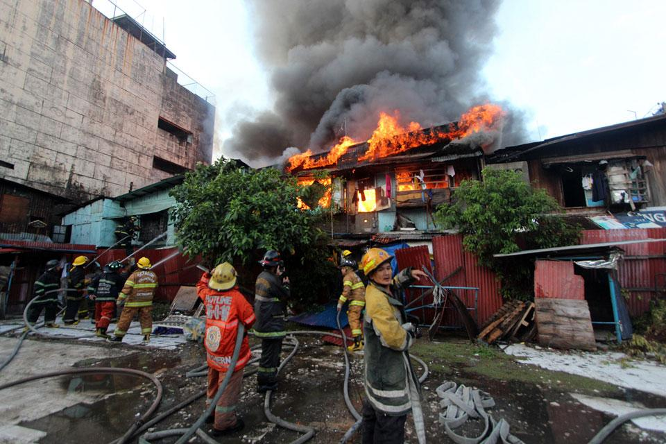 Fire hits several houses in Paco