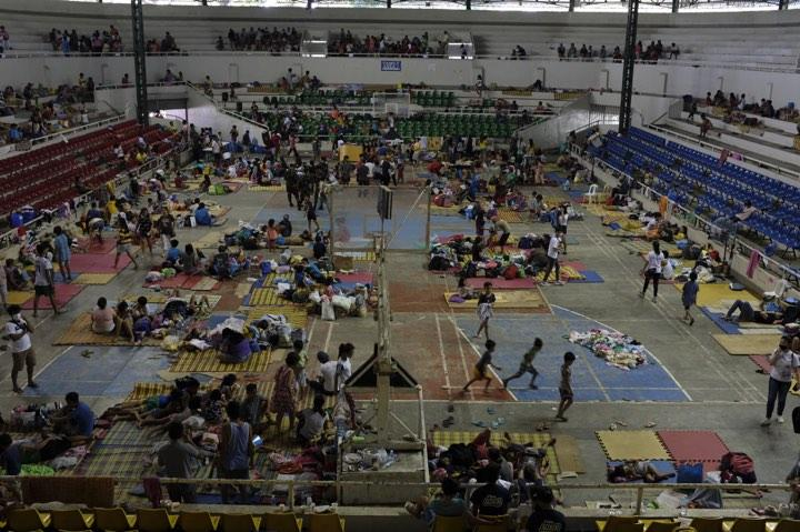 Evacuees in Batangas Taal