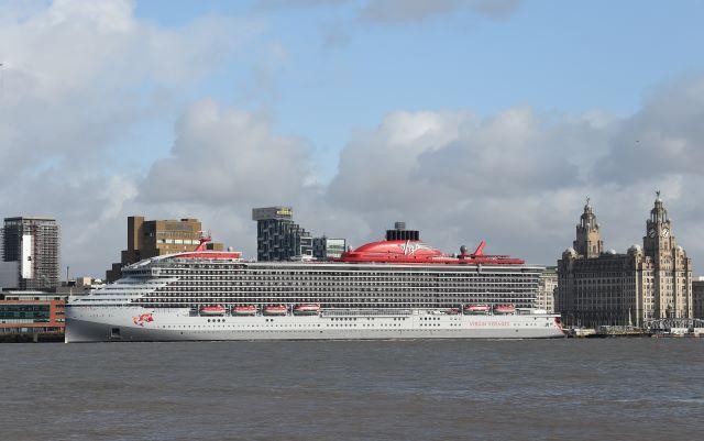 Cruise ship Scarlet Lady